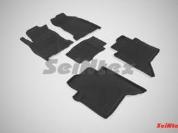 Резиновые коврики с высоким бортом для Toyota Hilux VIII 2015-н.в.